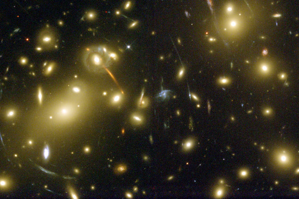 Abell 2218 cluster of galaxies