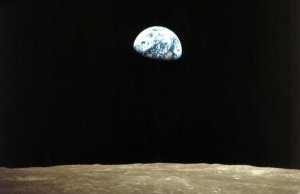 Apollo 8 image of Earth above the Moon's horizon