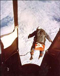 Kittinger jumping from Excelsior III