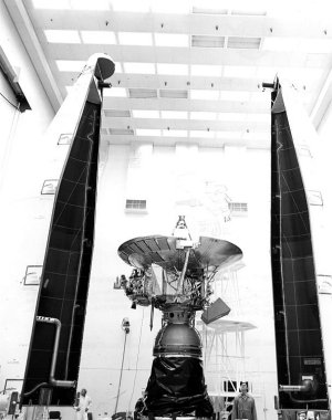 Pioneer 11 awaiting installation of its protectibe shroud