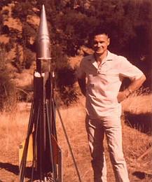 """Décès du """"rocketman"""" Robert C. Truax.  Truax"""