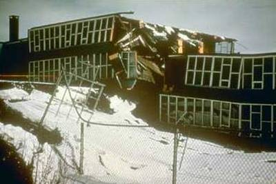 damage caused by the earthquake in Anchorage, Alaska, in 1964