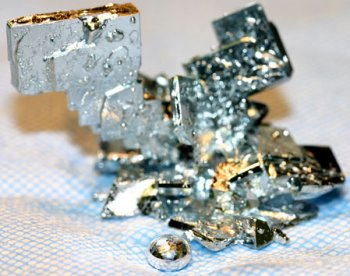 the discovery of the element gallium Fun facts discovery  he was searching for the missing element between aluminum and indium on  gallium has one of the longest liquid ranges of any metal and.