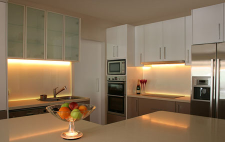 & kitchen undercabinet lighting