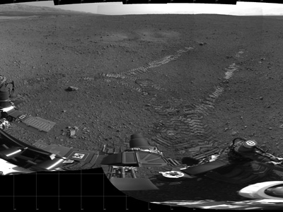 Tracks made by Curiosity on its first drive