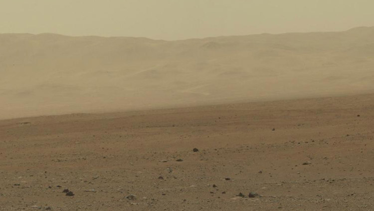 High-res color image of Gale Crater
